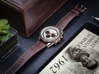 omega speedmaster moonwatch sedna gold